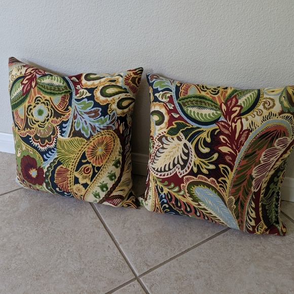 Pier 1 Accents 18x18 Down Throw Pillows With Removable Cover